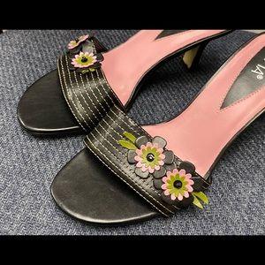 Black/pink floral slide, low heel.